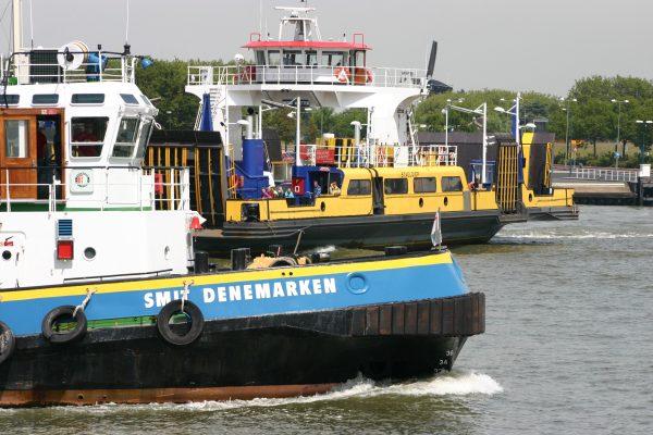 In Amsterdam komen we regelmatig veerboten tegen